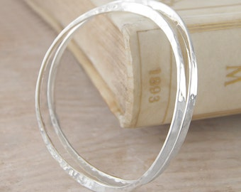 Stacking Bangle - Hammered Bangle - Sterling Silver Bracelet - Simple Bangle - Everyday Jewelry - Handmade Bracelet  -  925 Solid bangle