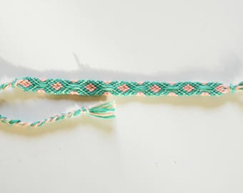 Friendship bracelet tapisserie pattern