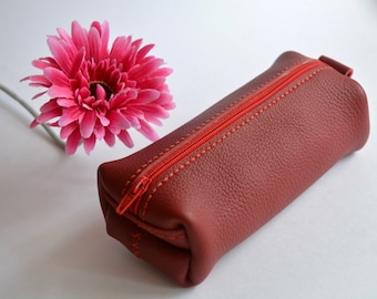 leather cosmetic bag, leather pouch, woman leather cosmetic bag, makeup bag, leather toiletry bag, red cosmetic bag, zipper cosmetic bag