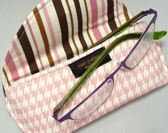 Eyeglass Case or Sunglass Case with Magnetic Closure in Pink White Houndstooth
