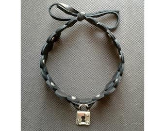 Black leather with pendant padlock Choker