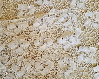 Vintage Handmade White Tablecloth or Throw, Crocheted, Excellent Condition