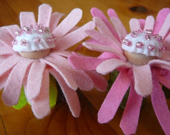 Daisy Peg Doll Flower Fairy, Waldorf Inspired, Wool Felt Peg Doll Fairy, Made to Order