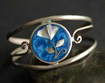 Vintage Flower Bracelet in Cloisonne Shell Inlay and Alpaca Silver Cuff Bracelet. Size Small Bracelet.