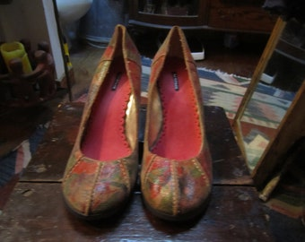 rampage wedged hand painted shoes.worn once  womens size 91/2