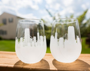 Etched San Francisco California Skyline Silhouette Wine Glasses