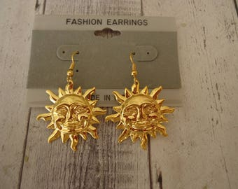 Retro Vintage New Old Stock Gold Tone Sun Face Earrings on Pierced Wires, Circa 1980s