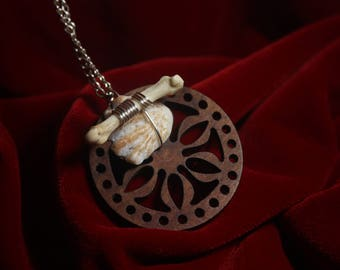 Shell/Bone Necklace.