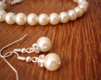 Simple & Elegant Pearl Earrings and Bracelet Set - Bridal Set and Bridesmaids Gift