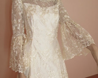 70's Vintage Wedding Dress with Train -  Lace wedding dress – Long lace sleveels dress -