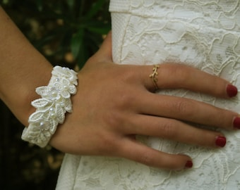 Bridal lace bracelet from Venice lace, acrylic beads, acrylic Swarovski and pearls.