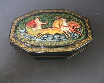 20th Century Russian Lacquer papier mache box