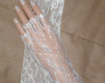 Vintage Chantilly Lace Fingerless Gloves