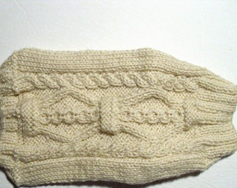 Dog sweater XS size hand knit. Dogs less than 5 lbs. Chihuahua, Yorkie, Toy Poodle. Off White color yarn. Hand knit.Ready for shipping.