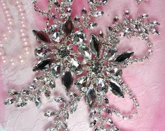 XR83  Silver Crystal Clear Rhinestone Applique Embellishment