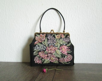 Vintage 1950s Made in West Germany Walborg floral tapestry clutch purse with fabric strap • The perfect vintage evening floral clutch bag
