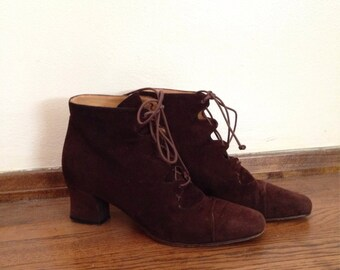 Vintage 90's chocolate brown lace up suede granny booties size 36 / sz 6