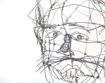 r e s e r v e d Calder Style Midcentury moderne en métal tête de Sculpture de fil