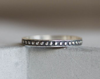 Doted ring - sterling silver stackable ring, oxidized
