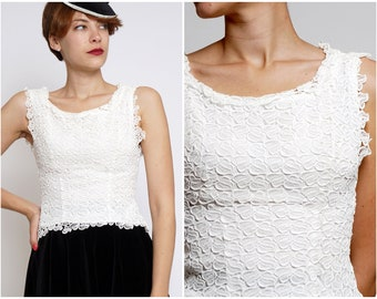 Vintage 1960s Sleeveless White Floral Leaf Lace Blouse | XXS XS