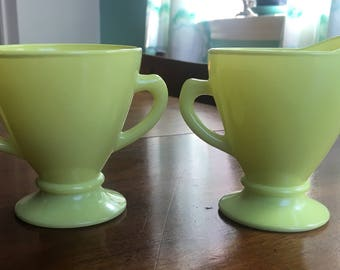 Hazel Atlas Chartreuse Sugar and Creamer Set