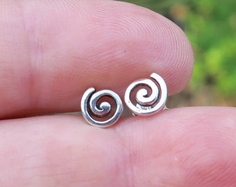 Vintage 925 Sterling Silver Swirl Stud Earrings