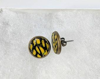 Boucles d'oreilles, boucles d'oreilles jaunes et noirs, clous d'argile polymère, Bronze Antique boucles d'oreilles, boucles d'oreilles colorées, cadeau pour un ami