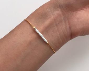 Dainty tiny beads bracelet