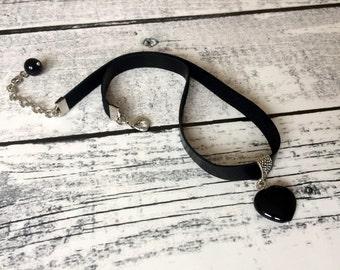 Gemstone Choker, Black Choker Necklace, Onyx Pendant, Black Leather Necklace, Heart Pendant, Statement Jewelry, Women Gift, Birthday Gift