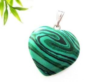 Silver plated heart pendant - malachite