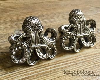 SET OF 2 - Large Antique Pewter Metal Octopus with Tentacles Knob - Nautilus Squid Beach Nautical Drawer Pull - Ocean Animal Bathroom
