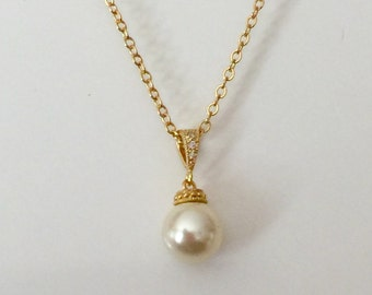 Gold Pearl pendant, Pearl necklace, bridesmaid jewelry, Swarovski Pearl, pendant necklace