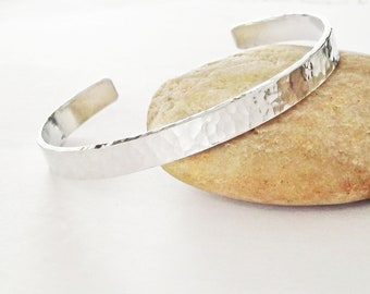 Hammered Textured Aluminum Bracelet, Thin Silver Cuff Bracelet, Bangle Bracelet, Faceted Cuff, Hammered Bracelet, 10 Year Anniversary
