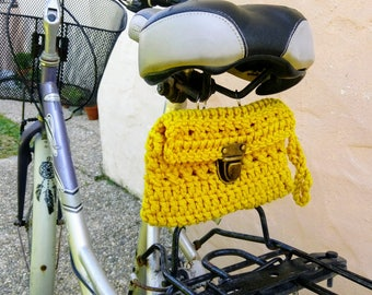 Crochet bag for rear carrier, or to the seat. Yellow.