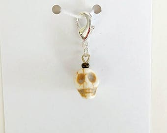 Skull Progress Keeper, Knitting Marker, Crochet Stitch Marker, Removable Stitch marker, Zipper Pull for your Project Bag
