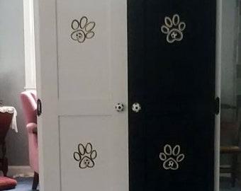 Armoire LG Pet, garde-robe pour animaux de compagnie, conçu, sur mesure à la main peinte, chien placard, Cabinet de vêtements pour animaux de compagnie, placard de chien, meubles pour animaux de compagnie, armoire de chien, football