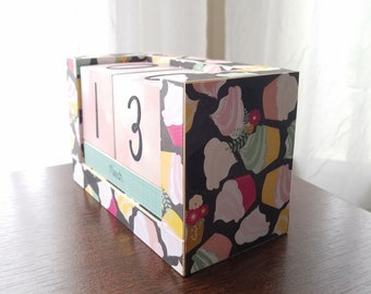 Perpetual Wooden Block Calendar - Cupcakes and Sprinkles - Swirl Frosting - Pink and Turquoise