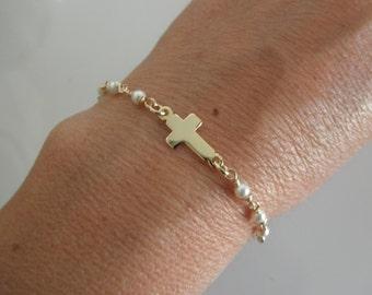 Vermeil sideways cross chain bracelet with swarovski pearls