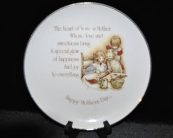 Holly Hobbie Collectors Plate, Mothers Day