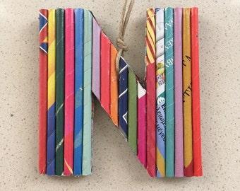 Brief-Ornamente, Rolle Papier Kunst, Recycling-Papier-Ornamente, Geschenk für Kinder, Upcycled Zeitung Großbuchstaben, Multicolor hängen Geschenk