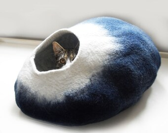 Midnight Moon Cat Bed Cat Cave Cat House cat nap cocoon Free Ball - Medium