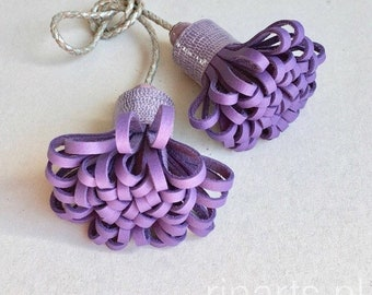 Tassel bag charm POMPOM DUO in purple leather. Violet double tassel bag charm. gift for her