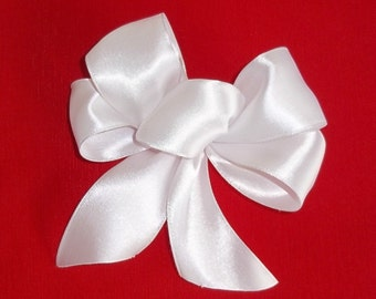 White Angel Bows in Satin, Set of 6 Bows, Gift Wrapping Bows, Hair Bows, Wedding Favors