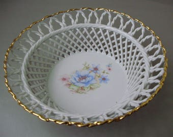 Vintage inwrought porcelain bowl,candy/fruit plate,serving dish with flower pattern