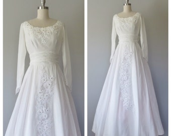 50s wedding gown size XS / vintage wedding gown