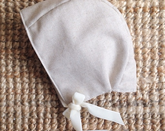 Winter Linen Bonnet