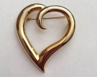 Heart Brooch// Vintage Heart Pin