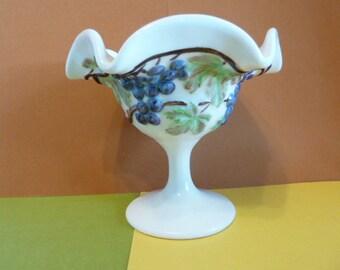Pedestal Finger Bowl, Vintage  Home Decor, Grapevine Design w / Ruffle Top