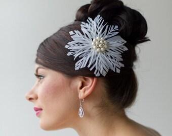 Bridal Fascinator, Wedding Headpiece, Wedding Hair Accessory, Bridal Feather Headpiece, Ivory Feather Hair Clip