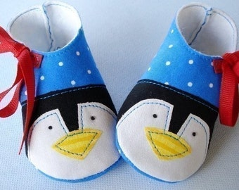 Christmas Penguin and Plain Baby Booties - shoes with Ribbon Ties - PDF ePattern Sewing - Winter